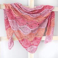 Pina Colada Shawl By Yuli Nilssen - Free Crochet Pattern - (ravelry) Crochet Prayer Shawls, Crochet Shawls And Wraps, Knitted Shawls, Crochet Scarves, Crochet Clothes, Knit Crochet, Crochet Hats, Free Crochet, Crochet Crowd