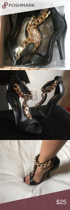 Black & Gold Open Toe Heels NEW IN BOX • Never worn • All black with gold metallic roping accents • Open toed • Zipper back • 4 inch heel • Faux Leather • True to size • ‼️CHEAPER ON Mercarí = melissapalermi ‼️ Forever 21 Shoes Heels