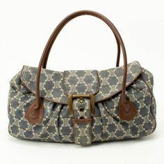 Gorgeous fabric handbag.