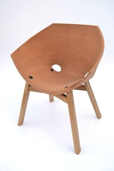 Corkigami (Carlos Ortega, 2013): a chair that apply a flat material (cork) and much like paper, folds it  into a three-dimensional seat that you can actually sit in.