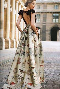 ❈* valentino parís by morwen dresses in 2019 vestidos Elegant Dresses, Pretty Dresses, Beautiful Dresses, Dress Outfits, Fashion Dresses, Dress Up, Evening Dresses, Prom Dresses, Formal Dresses