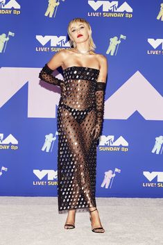Miley Cyrus – 2020 MTV Video Music Awards Mtv Video Music Award, Music Awards, Miley Cyrus Photoshoot, Miley Cyrus Pictures, Sheer Gown, Mtv Videos, Celebrity Look, Red Carpet Dresses, Celebs