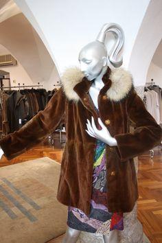 Jacke Nerz geschoren rost Elegant, Neue Trends, Fur Coat, Women Wear, Shopping, Fashion, Mink, New Fashion, Guys