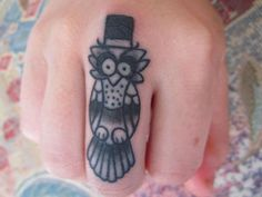 Cute Owl Tattoo for Women. owl tattoos are very popular tattoo design that can be painted by women and men. Owl tattoo design is really cute. Finger Tattoo Designs, Owl Tattoo Design, Tiny Owl Tattoo, Cute Owl Tattoo, Tattoo Designs And Meanings, Hand Tattoos, Finger Tattoos, Love Tattoos, Tattoo You