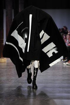 Julius Menswear Spring Summer 2016 Fashion Show in Paris Fashion News, Mens Fashion, Paris Look, Paris Shows, Live Fashion, Paris Fashion, Spring Summer 2016, Nike Jacket, Fashion Photography