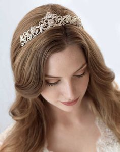 Silver Rhinestone Tiara Bridal Headpiece Wedding Crown by USABride Bridal Crown, Bridal Tiara, Bridal Headpieces, Bridal Headbands, Bridal Updo, Headpiece Wedding, Wedding Tiaras, Wedding Crowns, Wedding Dress