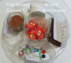 Discover and Explore the five senses with this fun DIY Five Senses Discover and Explore Kit! - I love the idea of a fun, simple explore kit for the kids Five Senses Preschool, My Five Senses, Senses Activities, Kindergarten Science, Preschool Learning, Science Classroom, Science Activities, Classroom Activities, Preschool Activities