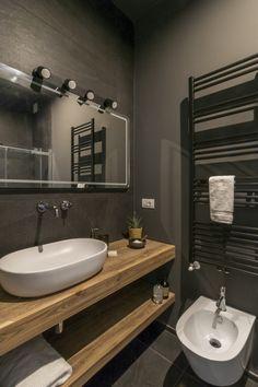 Il bagno nero di DoppiaQ Bathroom Design Luxury, Double Vanity, Master Bath, New Homes, Interior Design, House, Bath Room, Rooms, Instagram