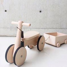 Stijlvol fietsen door de woonkamer met deze loopfiets.