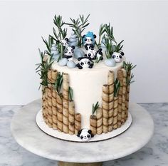 Pretty Cakes, Cute Cakes, Mini Cakes, Cupcake Cakes, Panda Birthday Cake, Animal Birthday Cakes, Birthday Cakes For Kids, 9th Birthday Cake, Creative Birthday Cakes