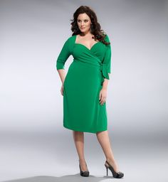 You'll sure to make others jealous in this effortless wrap dress.  The Sweetheart Plus Size Knit Wrap Dress by Kiyonna is available in a gorgeous Kelly Green.