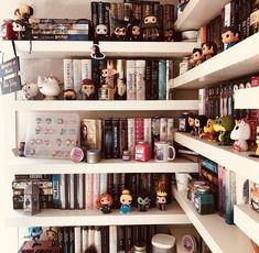 Oh my gosh--I SO need Funko Pop figures to go with their corresponding books! Bookshelves In Bedroom, Bookshelf Desk, Bookshelf Plans, Bookcases, Book Shelves, Bookshelf Inspiration, Beautiful Book Covers, Book Nooks, Dream Rooms