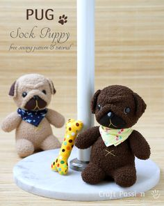 Sewing Toys Free sewing pattern: Sock pug softie - See how to sew a pair of socks into the cutest little pug softie! Joanne from Craft Passion shares a free sewing pattern. I pair of chenille socks will make a soft huggable sock pug. Sewing Stuffed Animals, Stuffed Animal Patterns, Sock Stuffed Animals, Sewing Patterns Free, Free Sewing, Free Pattern, Crochet Pattern, Softie Pattern, Sock Crafts