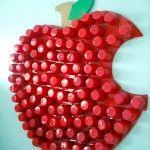 Decorating Ideas for a Child's Room: How to Make Bottle Cap Door Pulls Bottle Top Art, Bottle Top Crafts, Fruit Crafts, Diy And Crafts, Crafts For Kids, Plastic Bottle Caps, Snow White Birthday, Cork Art, Paper Crafts Origami