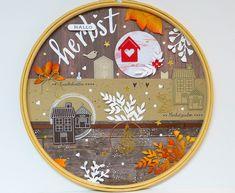 Herbstliches Layout im Stickrahmen | Kreativwerkstatt Layout, Creative, Decorative Plates, Tableware, Up, Home Decor, Paper, Work Shop Garage, Creative Ideas