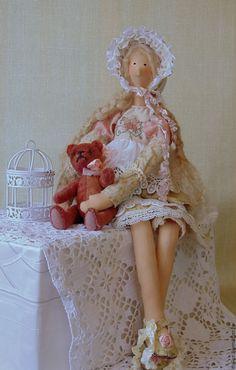 Купить Ангелина с мишкой - кремовый, тедди, тильда, кукла, винтаж, шляпка, бязь тонированная, синтепон