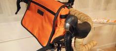 Tutorial: DIY handlebar bag (& craft demos at the Seattle Bike Expo) - Bicitoro: bikes and crafts Bicycle Panniers, Bicycle Bag, Bikepacking Bags, Tweed Ride, Commuter Bag, Bike Accessories, Lana, Purses And Bags, Easy Diy