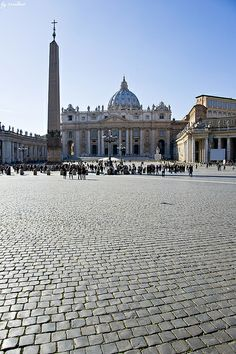 Plaza San Pedro, Vaticano https://youtu.be/c51vA-eS7OA