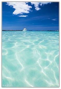 Bermuda Blues by Max Kehrli, via Flickr