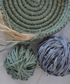 Embroidery On Paper Coil basket weaving methods // Paperphine Paper Raffia Bowl – String Harvest Fabric Bowls, Fabric Yarn, Raffia Crafts, How To Make Something, Willow Weaving, Paper Basket Weaving, Pine Needle Baskets, Rope Basket, Paper Embroidery