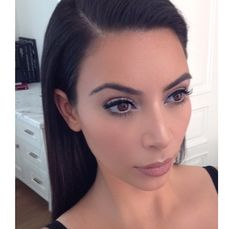 Kim kardashians makeup and hair