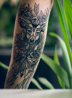Deer tattoo #armtattoo #deer #deertattoo #flowers #feathers #deerhead #arrow #floral #peony #art #lineanddust #blackandwhite