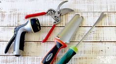 Cleaning Gardening Tools