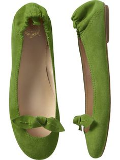 Suede knotted ballet flats by Gap Cute Flats, Cute Shoes, Me Too Shoes, Green Flats, New Shoes, Flat Shoes, Kinds Of Shoes, Comfy Shoes, Summer Shoes
