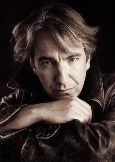 Love this photo of English actor Alan Rickman. Love this photo of English actor Alan Rickman. Alan Rickman Always, I Look To You, Severus Rogue, Alan Rickman Severus Snape, Harry Potter, Ares, British Actors, Madame, Best Actor