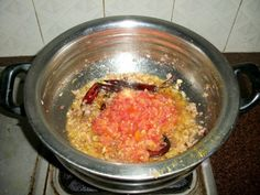 Andhra Chicken Iguru / Kodi Iguru - Yummy Tummy Coriander Leaves, Curry Leaves, Andhra Recipes, Coriander Powder, Garlic Paste, Marinated Chicken, Veg Recipes, Dishes, Cooking