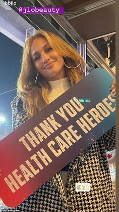 Message: JLo held up a sign reading 'thank you health care workers' once inside the stadiu... Care Worker, Gisele Bundchen, Super Bowl, Health Care, Celebrity Style, Kicks, Sign, Lifestyle, Reading