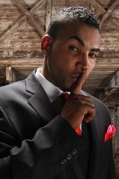 Are you a fan of Don Omar?<br/><br/>Do you find it hard to stay up to speed on the latest news, updates and videos of Don Omar?<br/><br/><br/>Do you wish there was a quick and easy resource to get updates on Don Omar without scouring the web?<br/><br/><br/>Look NO FURTHER, this is the APP for you!<br/><br/><br/>In this app you will find:<br/><br/><br/>- News Updates<br/><br/>- Recent Photos<br/><br/>- Videos<br/><br/>- Social Media Posts<br/><br/>- Bio on Don Omar<br/><br/>- And…