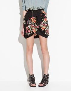 Cute shirt and skirt combo