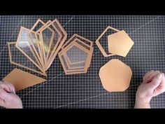 Diy Resin Crafts, Diy Arts And Crafts, Jar Crafts, Home Crafts, Terrarium Diy, Glass Terrarium, Cd Diy, Craft Stash, Paper Crafts Origami