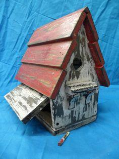 Birdhouse rustic.