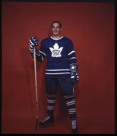 Got to meet him and Pete when I was young. Maple Leafs Hockey, Love My Boys, Toronto Maple Leafs, World Of Sports, Boston Bruins, Nhl, Athlete, Blue And White, Mens Tops