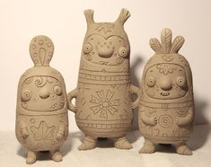 Photo Raku Pottery, Pottery Sculpture, Sculpture Clay, Summer Camp Art, Biscuit, Clay Figures, Ceramic Clay, Clay Projects, Art Pictures