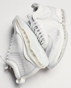 John Elliott Best Sneakers, Air Max Sneakers, Sneakers Nike, Nike Hoodie, White Nikes, Lebron James, New Shoes, Air Jordans, Nike Lebron