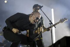 Linkin Park lead singer Chester Bennington has died aged LA County Coroner says. Chester Bennington, Charles Bennington, Nu Metal, Linkin Park Chester, Mike Shinoda, Ny Times, Hard Rock, Rock Bands, Autos