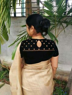 Latest Simple Blouse Back Designs 2018 & 2019 - The Handmade Crafts Blouse Designs High Neck, Simple Blouse Designs, Stylish Blouse Design, Saree Blouse Neck Designs, Kurta Designs, Designer Saree Blouses, Designer Blouse Patterns, Blouse Models, Sarees