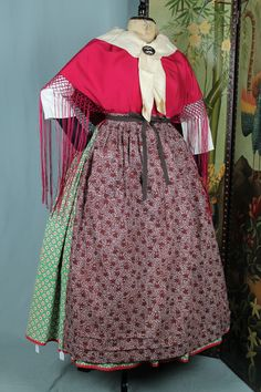"INDUMENTARIA TRADICIONAL. ""FRIVOLITE ANTIGUEDADES"" CALLE SAN VICENTE DE PAUL Nº 18 ZARAGOZA TEF. 976207778 European Dress, Folk Clothing, Regional, Skirts, Embroidery, Dresses, Fashion, Folklore, Traditional Clothes"