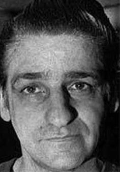 Albert DeSalvo, the Boston Strangler, serial killer. Convicted of murdering 13 women but his confession has been disputed. Murdered in prison. Famous Murders, Famous Serial Killers, Natural Born Killers, Evil People, Creepy People, Dna Test, Criminal Minds, True Crime, Serial Killers