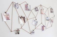 Diy Wall Photo Collage Ideas without Frames 48 Wall Collage without Frames 17 Layout Ideas Diy Dorm Decor, Diy Wall Decor, Dorm Decorations, Decor Crafts, Hanging Photos, Hanging Art, Photo Hanging Clips, Hanging Pictures On The Wall, Porte Photo Mural