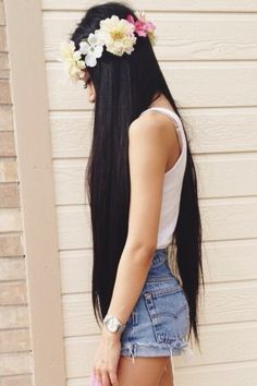I want my hair to be this long & healthy!!! Maybe a little bit shorter that's my goal!