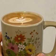 Think Food, Coffee Cafe, Aesthetic Food, Aesthetic Pics, Dream Life, Matcha, Sweet 16, Starbucks, Artsy