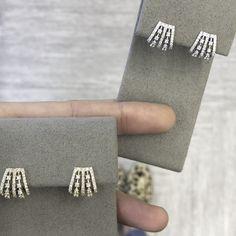 Turn heads with the Ava Bea Five Prong Huggies from Dana Rebecca Designs. Diamond Earrings Indian, Diamond Necklaces, Diamond Jewelry, Cute Earrings, Clip On Earrings, Statement Earrings, Jewellery Designs, Gold Jewellery, Ear Jewelry