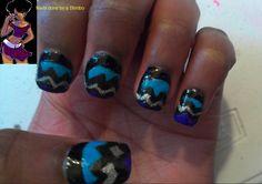 April 30 day nail art challenge Fay 8 Zig Zag ( fail)