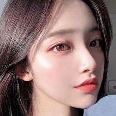 「顔の下半分」を鍛えれば若返る!1日5分でOKの美人顔エクササイズ Beauty Care, Hair Beauty, Korean Beauty Girls, Asian Beauty, Natural Beauty, Pageant Makeup, Prity Girl, Yoga Routine For Beginners, Korean Eye Makeup