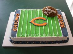 Chicago Bears football cake.