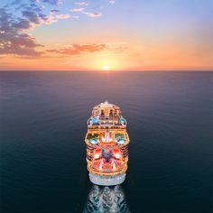 Sailing into the sunset! OK fans, which ship is this? Cruise Wear, Cruise Vacation, Allure Of The Seas, Harmony Of The Seas, Royal Caribbean Cruise, Super Yachts, Ultimate Travel, Beautiful Sunset, St Kitts